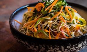 Сколько варить и как готовить фунчозу: рецепты с курицей, овощами, мясом
