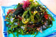 Разнообразные блюда из морской капусты