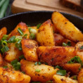 Сколько жарить картошку по времени под крышкой и без крышки
