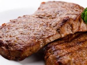 стейк из свинины в кефире