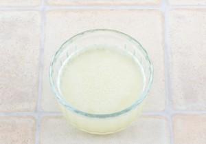 смешиваем с водой желатин