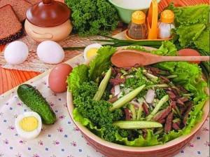 Кушанье с огурцами и морковкой
