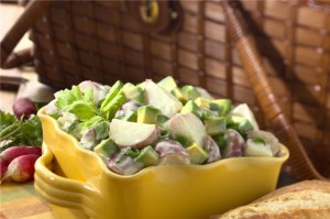 Сытный салат с картофелем