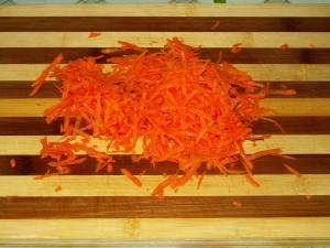 морковку трем на крупную терку