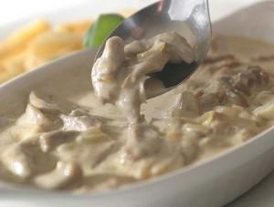 Блюдо в грибном соусе
