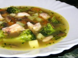 Диетический суп из брокколи с грибами