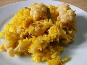 Рис с пряностями и цветной капустой