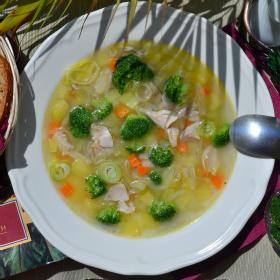 Суп из брокколи и курицы