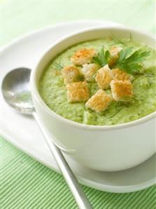 Суп из брокколи с сухариками
