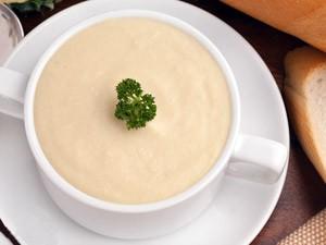 Сырный крем-суп из цветной капусты со сливками