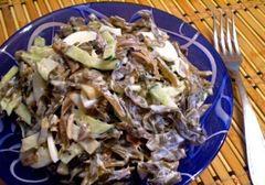 Салат с кальмаром и копчёной скумбрией