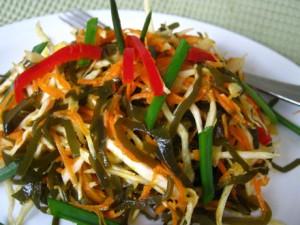 Салат с китайской капустой и болгарским перцем