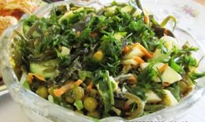 Салат с морковью и горошком