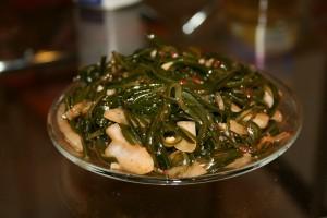 Салат с соевым соусом и перцем по-корейски