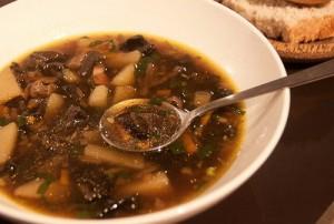 Суп с шампиньонами и кальмарами