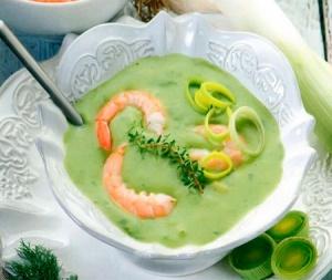 Суп-пюре с крапивой и креветками