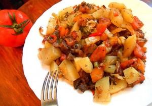 Рагу с курицей и картошкой