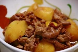 Картофель с тушеным мясом