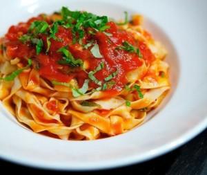 Тальятелле в томатном соусе