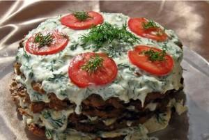 Торт с томатами и плавленым сыром