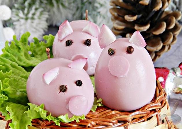 Фаршированные яйца Свинки