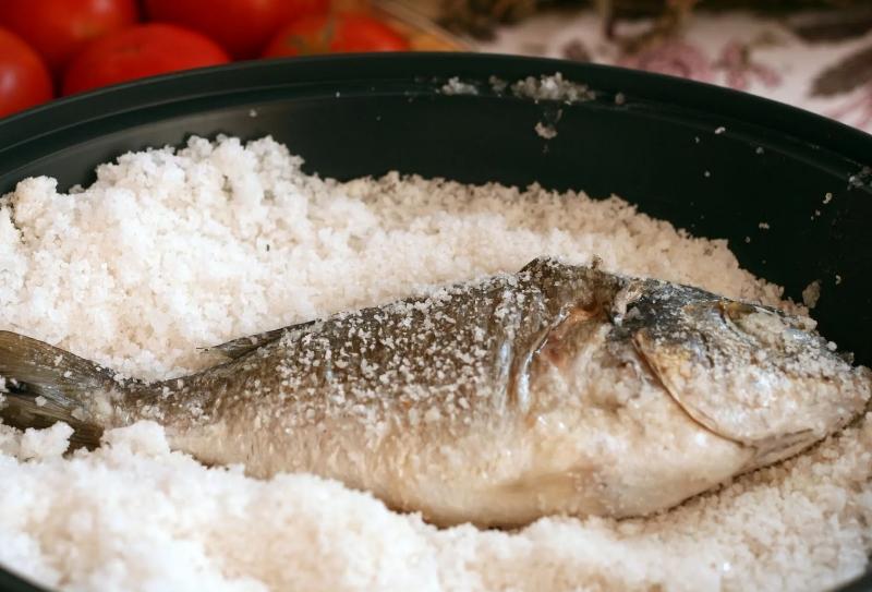 дорадо в соли